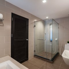 J Inspired Hotel Pattaya ванная фото 2