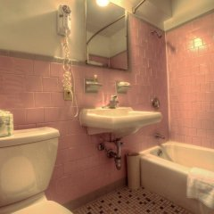 Отель Americana Hotel США, Арлингтон - отзывы, цены и фото номеров - забронировать отель Americana Hotel онлайн ванная