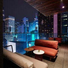 Отель citizenM New York Times Square гостиничный бар фото 3