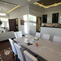 Апартаменты Dfive Apartments - Little Boss питание фото 3