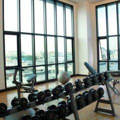 Отель Vertical Suite Бангкок фитнесс-зал фото 2