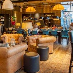 Отель DoubleTree by Hilton Hotel Amsterdam - NDSM Wharf Нидерланды, Амстердам - отзывы, цены и фото номеров - забронировать отель DoubleTree by Hilton Hotel Amsterdam - NDSM Wharf онлайн гостиничный бар