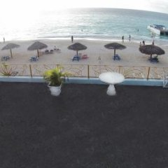 Отель Beachcomber Club Resort Ямайка, Саванна-Ла-Мар - отзывы, цены и фото номеров - забронировать отель Beachcomber Club Resort онлайн парковка