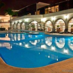 Hotel Malibu бассейн