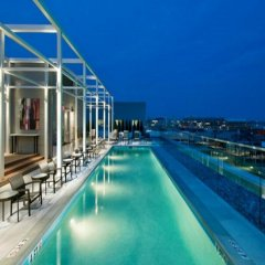 Отель Weichert Suites at Foggy Bottom бассейн