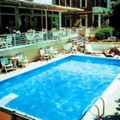 Отель Audi Италия, Римини - отзывы, цены и фото номеров - забронировать отель Audi онлайн бассейн фото 3