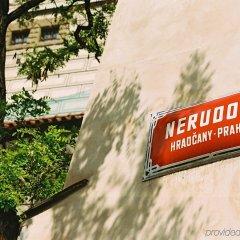 Отель Design Neruda бассейн