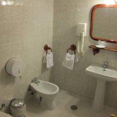 Hotel Restaurante El Lago ванная фото 2