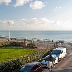 Отель Hamptons Brighton Великобритания, Кемптаун - отзывы, цены и фото номеров - забронировать отель Hamptons Brighton онлайн пляж