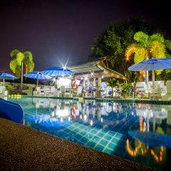 Отель Baan Tong Tong Pattaya бассейн