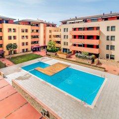 Отель Apartamento Vivalidays Mari Испания, Льорет-де-Мар - отзывы, цены и фото номеров - забронировать отель Apartamento Vivalidays Mari онлайн бассейн фото 2