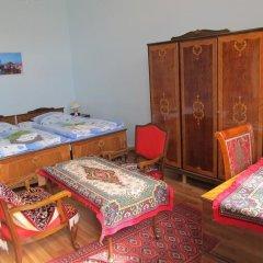 Отель Artush & Raisa B&B Армения, Гюмри - 1 отзыв об отеле, цены и фото номеров - забронировать отель Artush & Raisa B&B онлайн развлечения