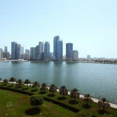 Отель Holiday International Sharjah ОАЭ, Шарджа - 5 отзывов об отеле, цены и фото номеров - забронировать отель Holiday International Sharjah онлайн приотельная территория