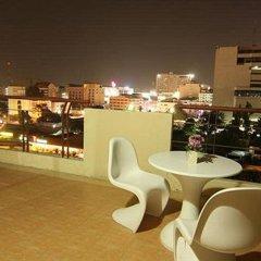 Отель Eastiny Residence Hotel Таиланд, Паттайя - 5 отзывов об отеле, цены и фото номеров - забронировать отель Eastiny Residence Hotel онлайн балкон
