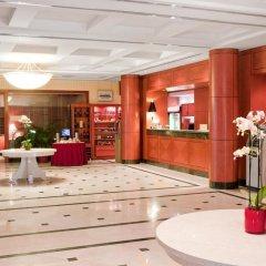 Отель Courtyard by Marriott Tbilisi Тбилиси интерьер отеля фото 2