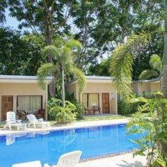 Отель Dacha Resort Phuket бассейн