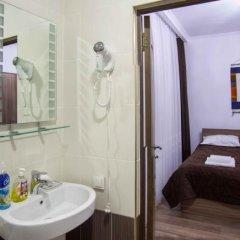 Отель Sweet House Guest house Кыргызстан, Каракол - отзывы, цены и фото номеров - забронировать отель Sweet House Guest house онлайн ванная