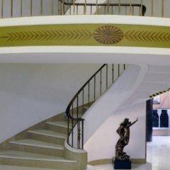 Astoria Hotel спортивное сооружение
