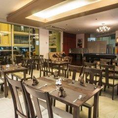 Golden Pearl Hotel Бангкок питание