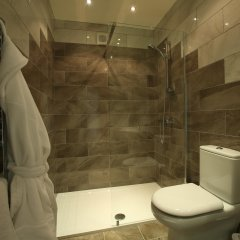 Отель The Craven Heifer Inn ванная
