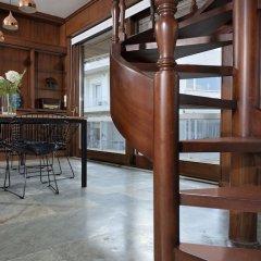Отель Karyatis Luxury Maisonette by K&K гостиничный бар