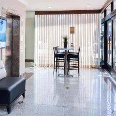 Отель Best Western Hollywood Plaza Inn США, Лос-Анджелес - отзывы, цены и фото номеров - забронировать отель Best Western Hollywood Plaza Inn онлайн интерьер отеля фото 2
