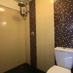 Отель Meet Inn At Silom Бангкок ванная фото 2