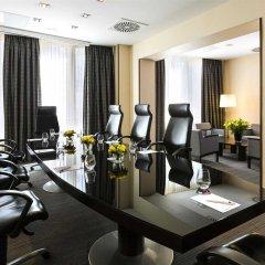 Отель Crowne Plaza Paris Republique фитнесс-зал фото 2