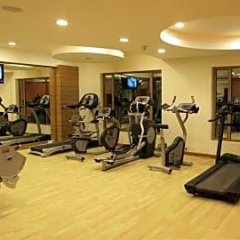 Отель Cambay Grand фитнесс-зал фото 4