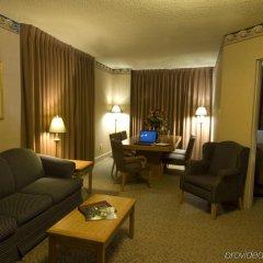 Отель The Glenmore Inn & Convention Centre Канада, Калгари - отзывы, цены и фото номеров - забронировать отель The Glenmore Inn & Convention Centre онлайн комната для гостей фото 3