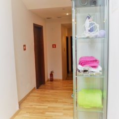 Tapir Hostel сейф в номере