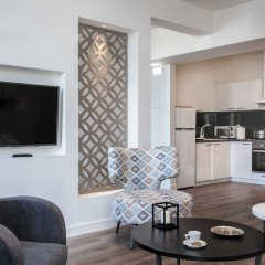 Отель Urban Nest - Suites & Apartments Греция, Афины - отзывы, цены и фото номеров - забронировать отель Urban Nest - Suites & Apartments онлайн комната для гостей фото 2