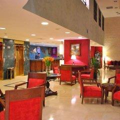 Al Fanar Palace Hotel and Suites гостиничный бар