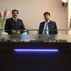 Отель Apra International Индия, Нью-Дели - отзывы, цены и фото номеров - забронировать отель Apra International онлайн спа фото 2