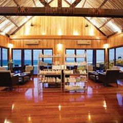 Отель Outrigger Fiji Beach Resort интерьер отеля
