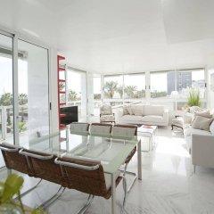 Апартаменты You Stylish Beach Apartments интерьер отеля