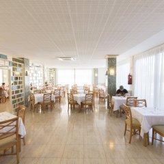 Отель azuLine Hotel S'Anfora & Fleming Испания, Сан-Антони-де-Портмань - отзывы, цены и фото номеров - забронировать отель azuLine Hotel S'Anfora & Fleming онлайн питание