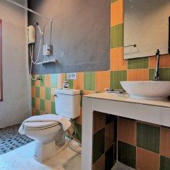 Отель Again At Naiharn Beach Resort Пхукет ванная фото 2