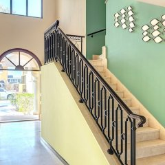 Отель Dream Inn Dubai-Luxury Palm Beach Villa интерьер отеля