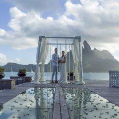Отель The St Regis Bora Bora Resort Французская Полинезия, Бора-Бора - отзывы, цены и фото номеров - забронировать отель The St Regis Bora Bora Resort онлайн бассейн фото 3