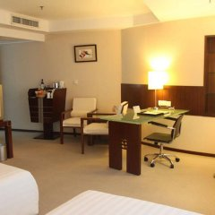 Отель Grand Holiday Hotel Китай, Шэньчжэнь - отзывы, цены и фото номеров - забронировать отель Grand Holiday Hotel онлайн удобства в номере