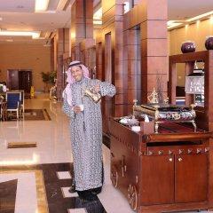 Отель Al Hamra Palace By Warwick питание фото 3