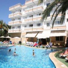 Отель Apartamentos HSM Lago Park бассейн