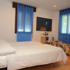 Отель Casa Vacanze Riviera del Brenta Италия, Доло - отзывы, цены и фото номеров - забронировать отель Casa Vacanze Riviera del Brenta онлайн комната для гостей фото 2