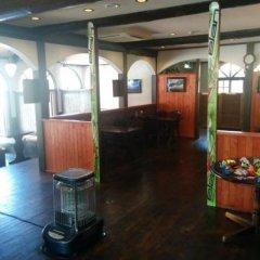 Отель Lodge Karunaju & The Alpine Grill Хакуба гостиничный бар