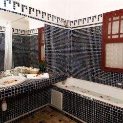 Отель Ouarzazate Le Riad & Tichka Salam Марокко, Уарзазат - отзывы, цены и фото номеров - забронировать отель Ouarzazate Le Riad & Tichka Salam онлайн ванная
