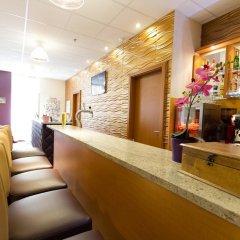Six Inn Hotel гостиничный бар