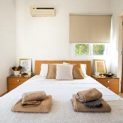 Отель Konnos Beach Villa No 5 комната для гостей фото 3