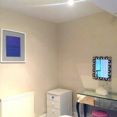 Отель 2 Bedroom Flat in North Kensington Великобритания, Лондон - отзывы, цены и фото номеров - забронировать отель 2 Bedroom Flat in North Kensington онлайн удобства в номере фото 2