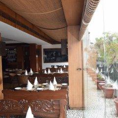 Отель Palace Heights Индия, Нью-Дели - отзывы, цены и фото номеров - забронировать отель Palace Heights онлайн бассейн